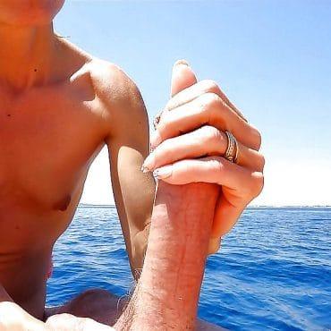 Geil am Strand einen runterholen