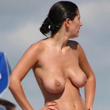 Ihre nackten Brüste Voyeur Bilder