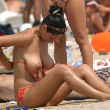 Nudisten Bilder ohne BH