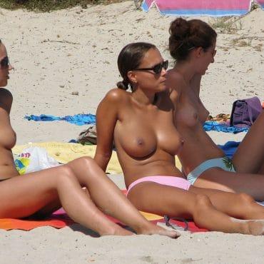 Nudisten Bilder viele Titten