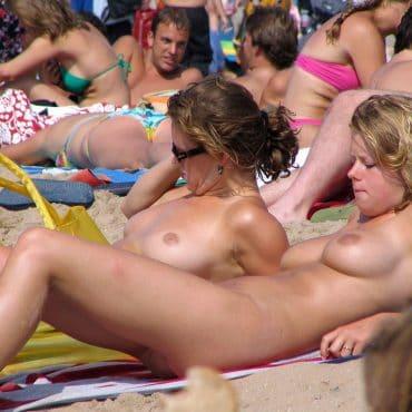 Voyeur Bilder geile Titten