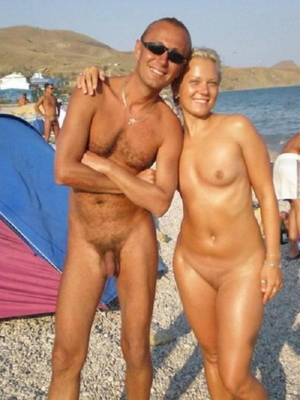 komplett nackt am strand