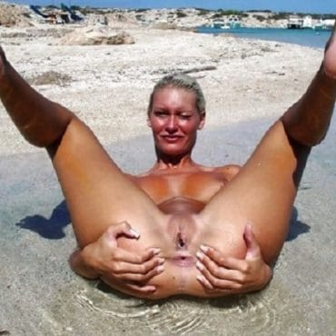 Nackte Muschis Am Strand