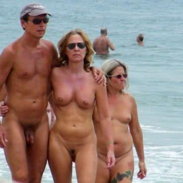 Nackt Strand Ehepaar