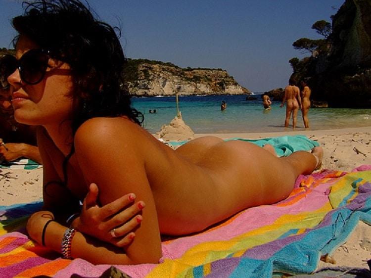 nackt popo strand