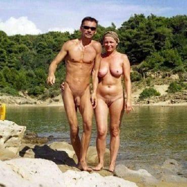 Oben ohne Paar
