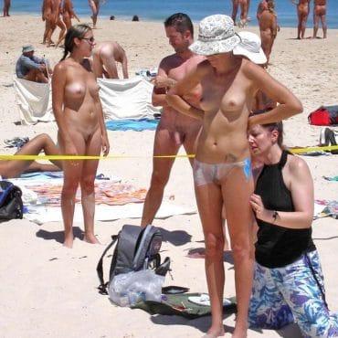 Mädels Nackt in der Öffentlichkeit