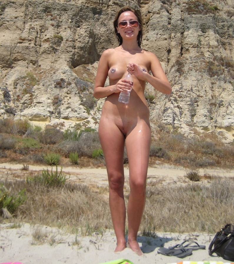 Girls Nackt Am Strand