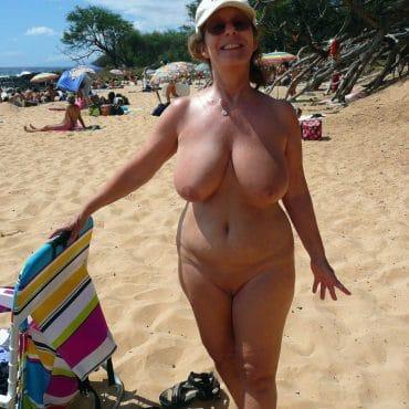 Oma Nackt in der Öffentlichkeit