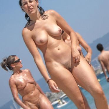 Beach Babes erwischt