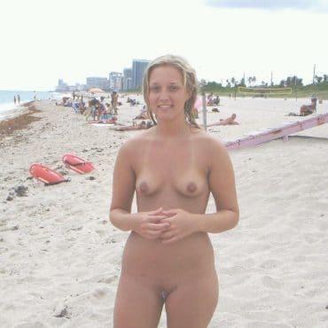 Kleine Titten Beach Babes