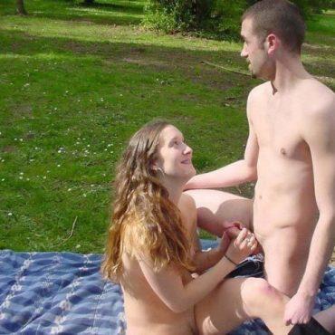 Nackt im Park Pimmelspiele