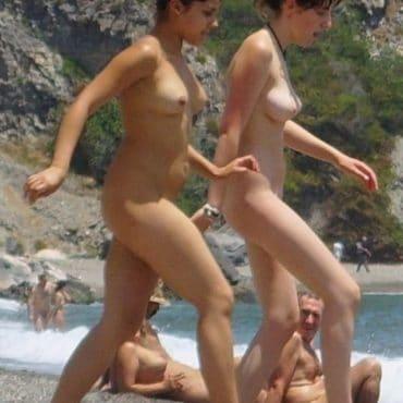Mädels Nacktwandern