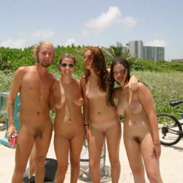 Nacktbadestrand Freunde