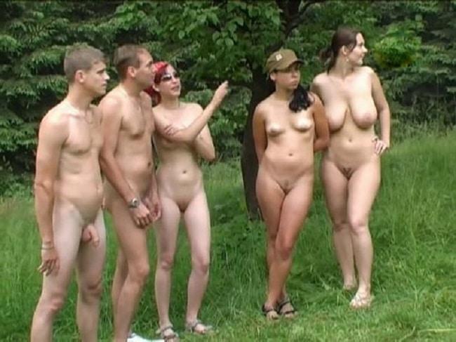 Paare Nackt Im Wald