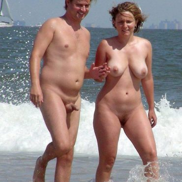 Nude Spanner am Strand
