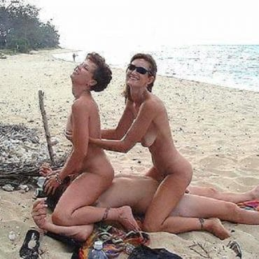 Dreier am Strand Milfs