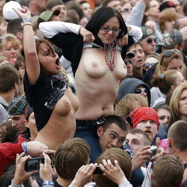 Doppelte Festival Titten