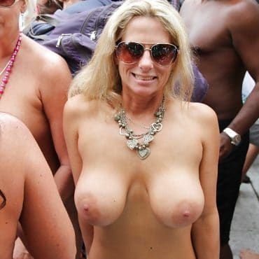 Milf Festival Titten