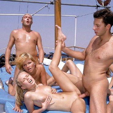 Ganbang Sex Schiff