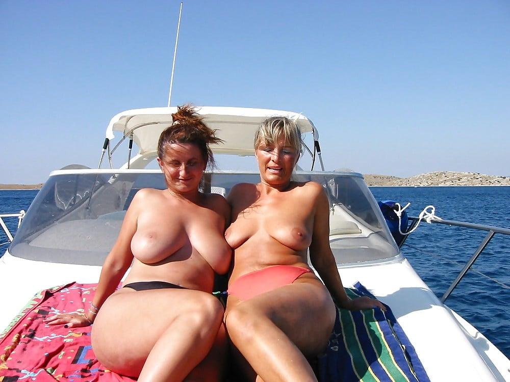 Nackt Auf Schiff