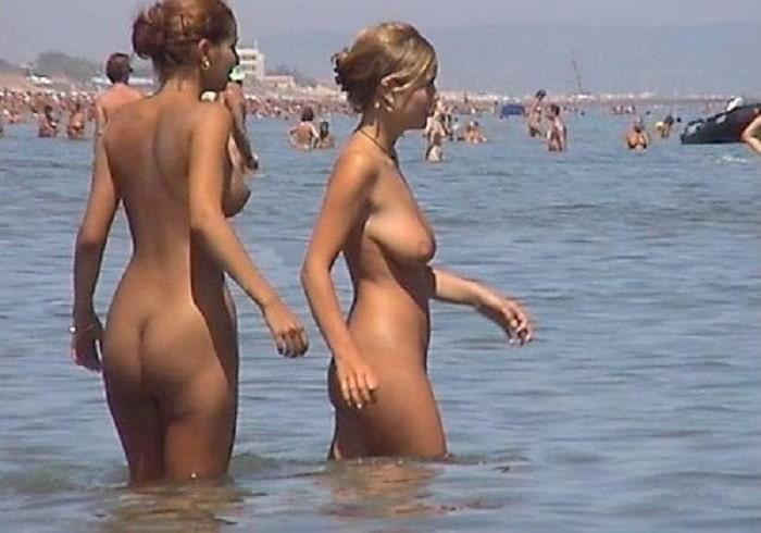 Strand fkk frauen am FKK Strand