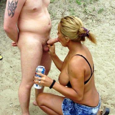 Strand Porn Milf bläst