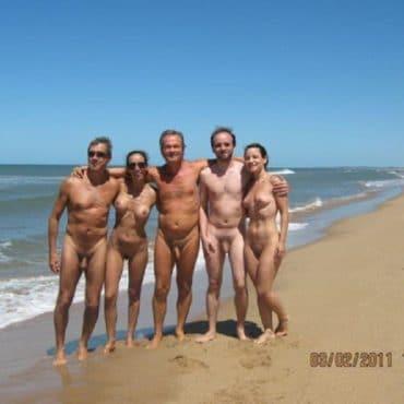 Nettes Voyeur am Strand