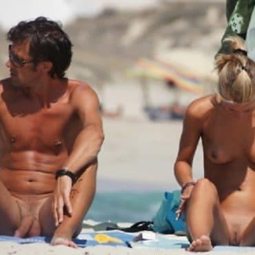 Paar Voyeur am Strand