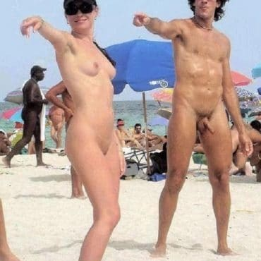 Süßes Voyeur am Strand