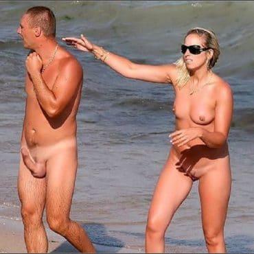 Süße Titten am Strand