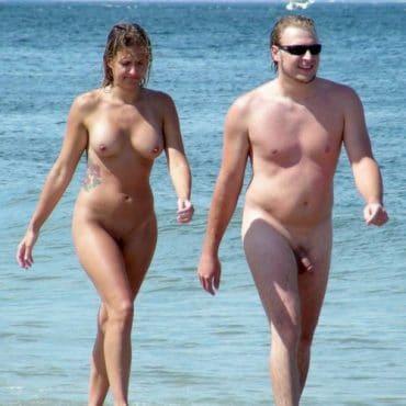 Frauen nackt am Strand erwischt