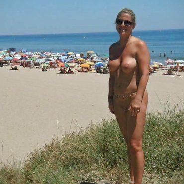 Krasse Titten Frauen nackt am Strand