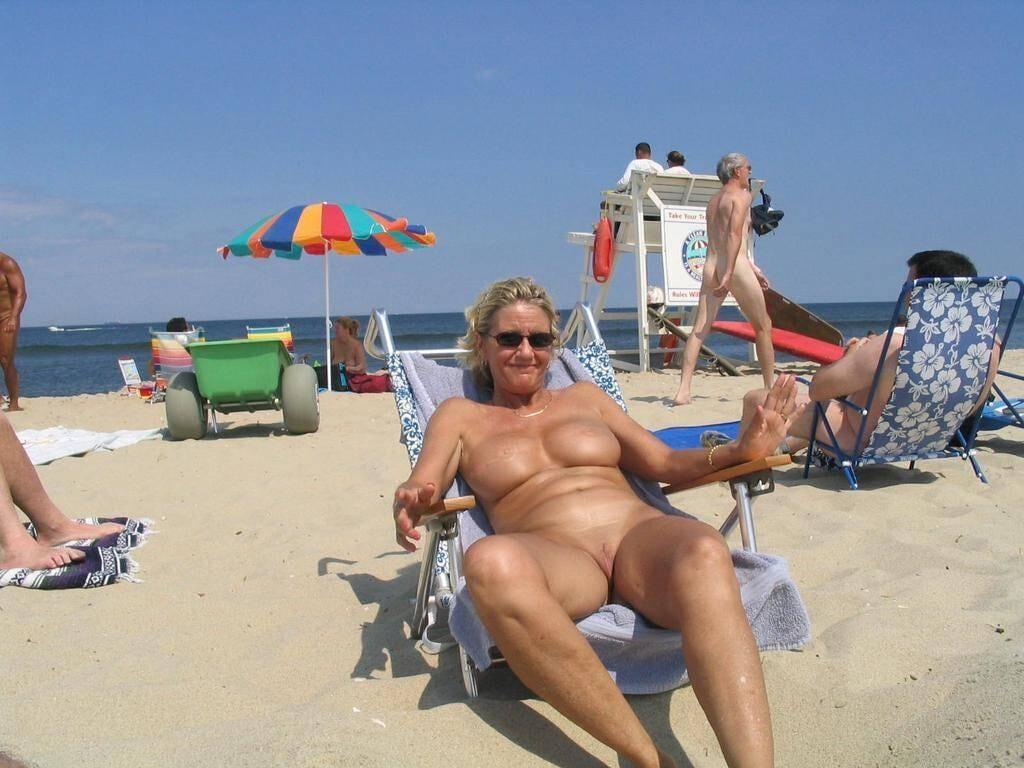 Frauen Am Strand Nackt
