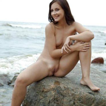 Nackt Frauen nackt am Strand