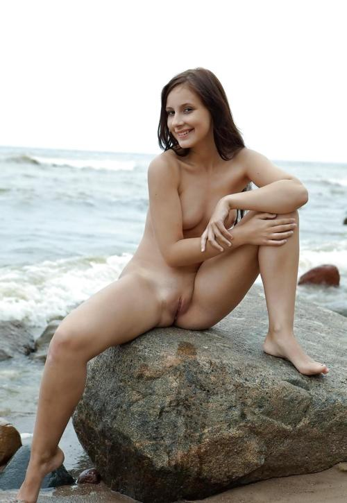 ScheuNe Frauen Am Fkk Strand