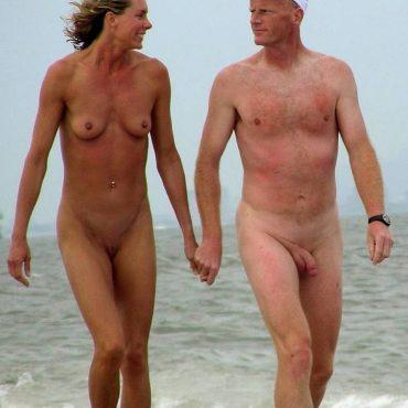 Strand Voyeur granny