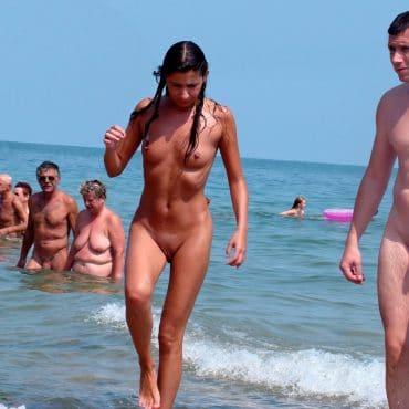 Einfach Nackt am Meer
