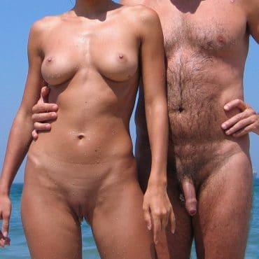 Komplett Nackt am Meer