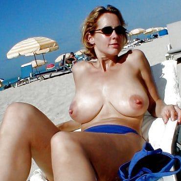 Muttis Dicke Titten am Strand