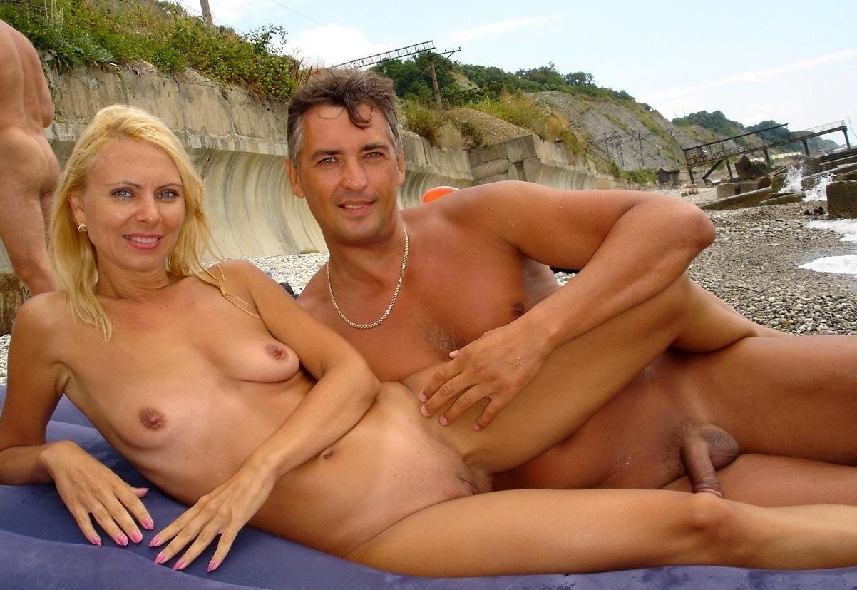 Nackte Paare Im Urlaub