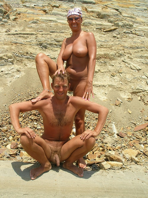 Nackte Paare Am Strand