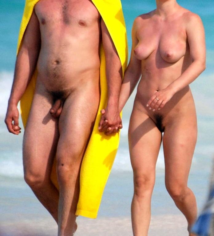 Heimlich fotografiert nackt Free Frau
