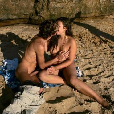 Nackt FKK Brüste anfassen