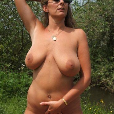 Oma Sex im Wald