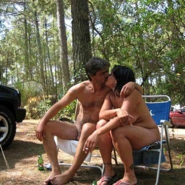Sex im Wald im sitzen