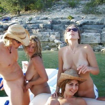 Öffentlicher Sex auf dem Boot