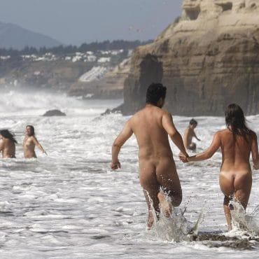 Nacktbaden reinlaufen