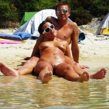Sexy Nacktbaden