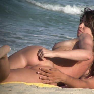 Nudist Bilder Arsch anfassen